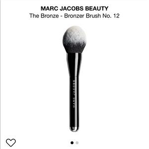 Marc Jacobs powder brush 12